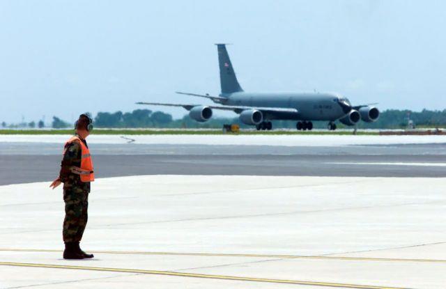 KC-135E Stratotanker - Stratotanker taxi Picture