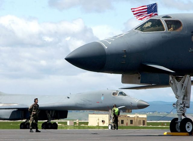B-1B Lancer - Lancers arrive home Picture