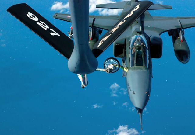 KC-135 Stratotanker - Pulling up to the pump Picture