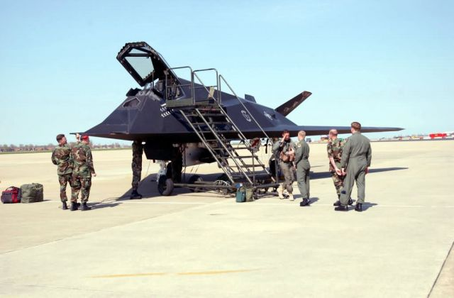 F-117A Nighthawk - Nighthawk layover Picture