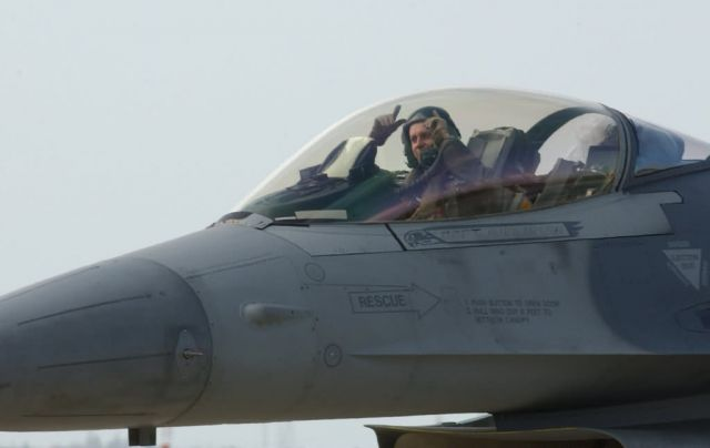 F-16CJ - Heading home Picture