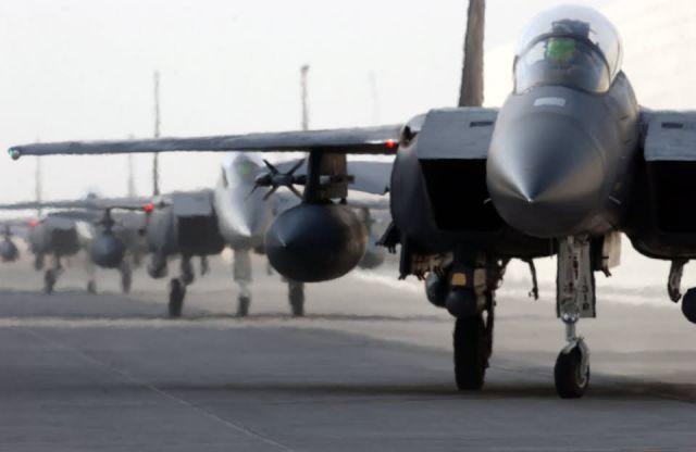 F-15E Strike Eagles - Strike Eagle aerie Picture