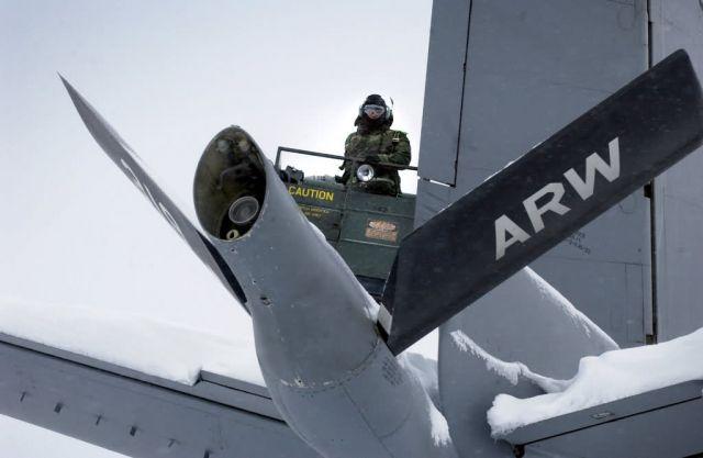 KC-135 - The de-ice man cometh Picture
