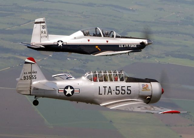 T-6A Texan II - Texas two-step Picture