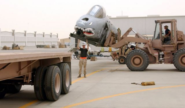 A-10 Thunderbolt II - Thunderbolt lift Picture