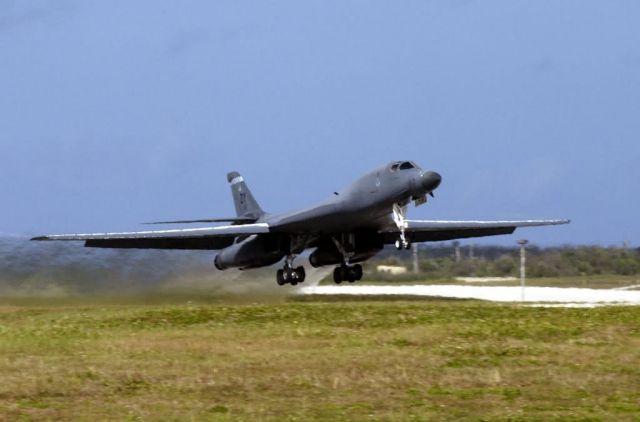 B-1 Lancer - Lancer lift off Picture