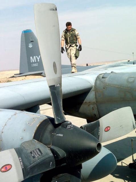 HC-130 Hercules - Post-flight check Picture