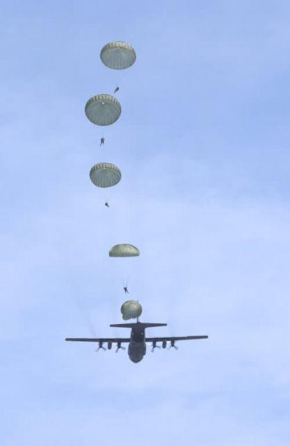 C-130 Hercules - Jump school Picture