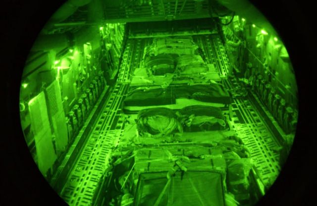 C-17 Globemaster III - Night air drop Picture