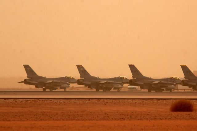 F-16 Fighting Falcons - Takeoff line Picture
