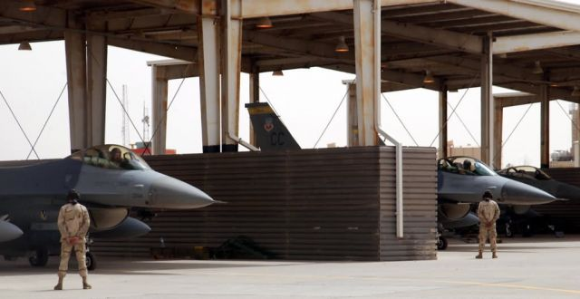 F-16 Fighting Falcons - Falcon roost Picture
