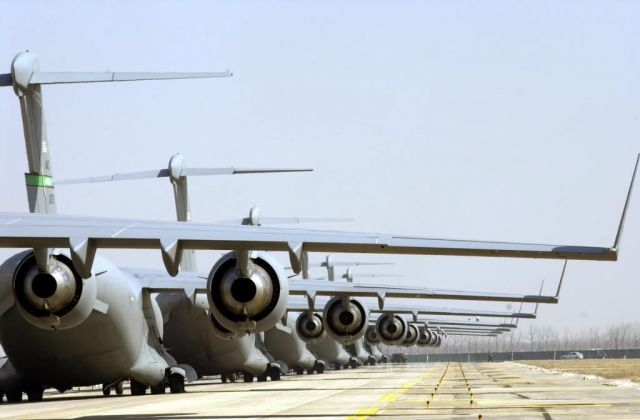C-17 Globemaster III - Ready for takeoff Picture