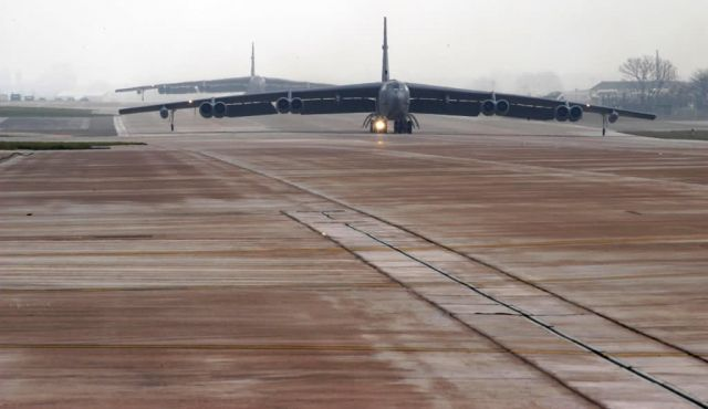 B-52 Stratofortress - Buff taxi Picture