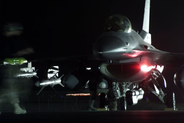 F-16 Fighting Falcons - Falcon prep Picture