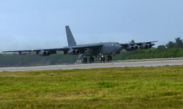 B-52 Stratofortress - Bring in the heavies Picture