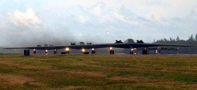 B-2 Spirit bombers - The air campaign begins Picture