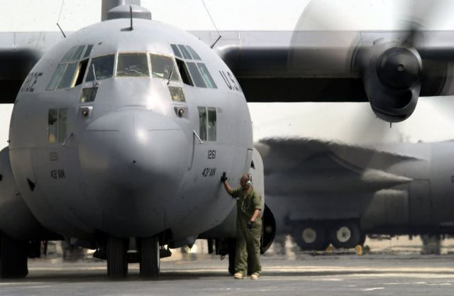 C-130 Hercules - Props turning Picture