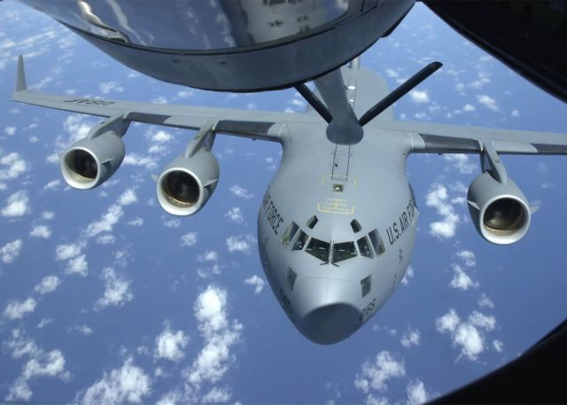 C-17 Globemaster III - Refueling Picture