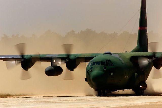C-130 Hercules - Hercules landing Picture