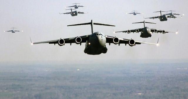 C-17 Globemaster III - Follow me Picture