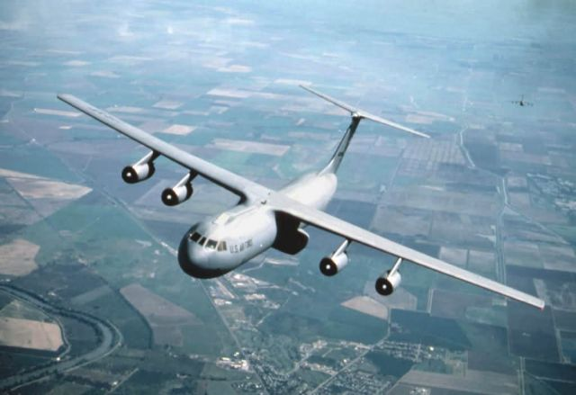 C-141 Starlifter - Starlifter in the sky Picture