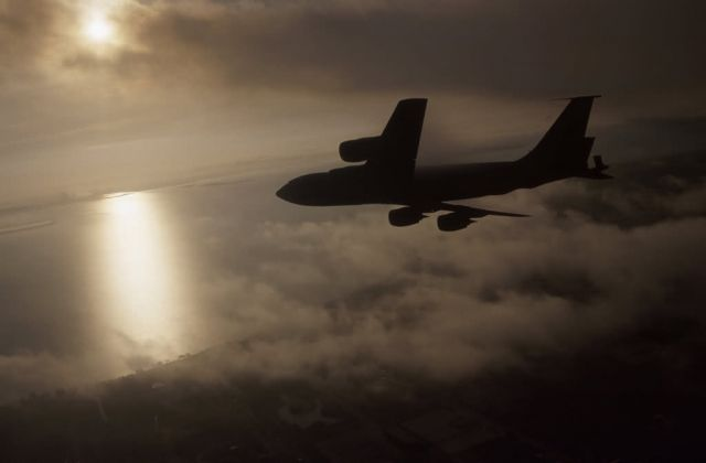 KC-135R Stratotanker - Light ahead Picture