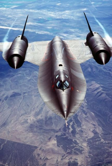 SR-71A Strategic Reconnaissance Aircraft - Blackbird Picture