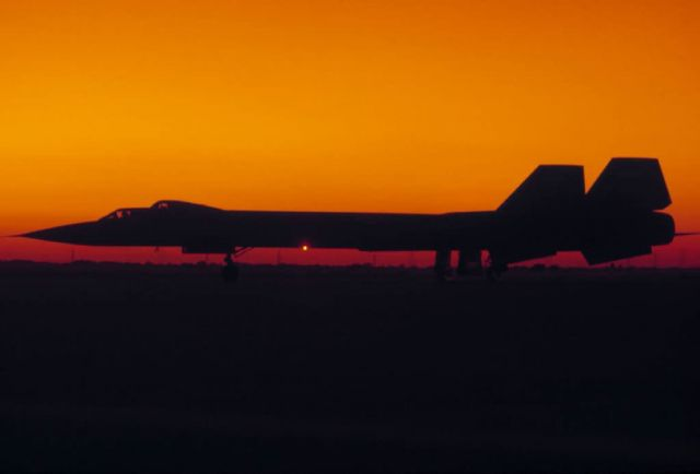 SR-71 Aircraft - Blackbird Picture