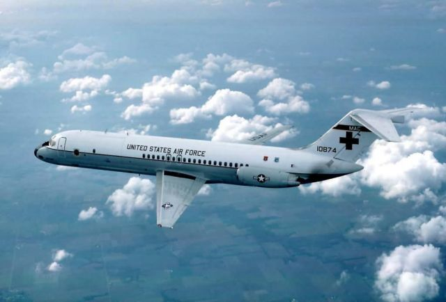 C-9 - twin-engine, T-tailed, medium-range, swept-wing jet aircraft Picture