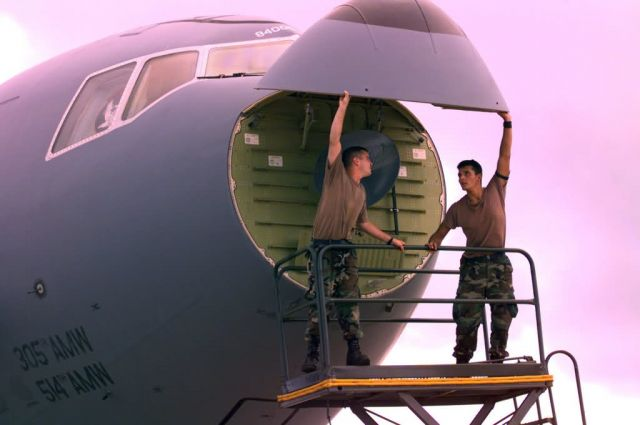 KC-10 refueler - Nose job Picture