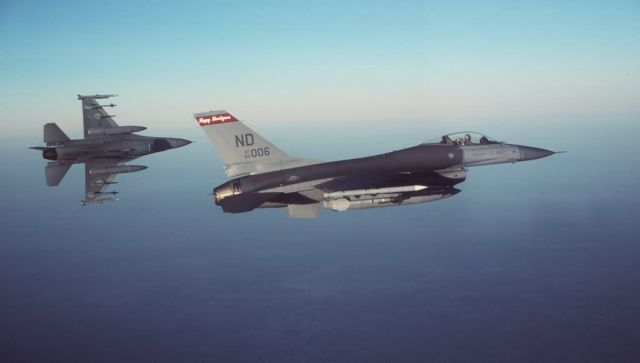 F-16A Fighting Falcons - Early mission Picture