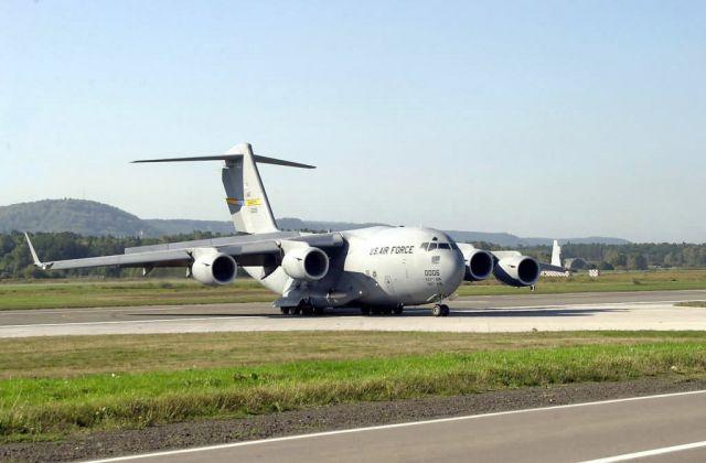 C-17 Globemaster III - C-17 HDR drop Picture