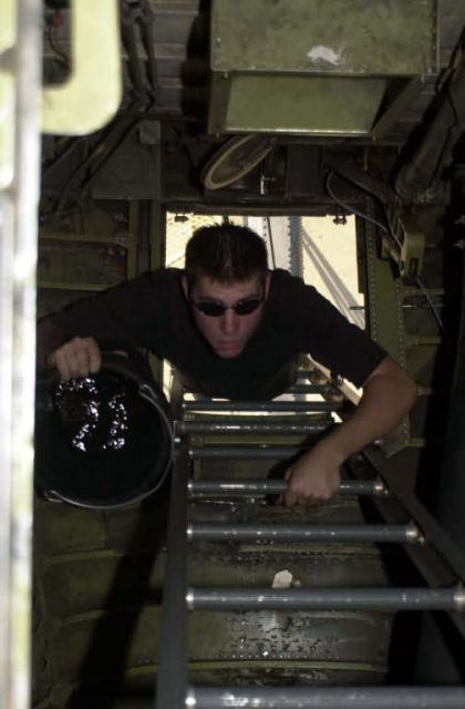 KC-10 - OEF crewchief Picture