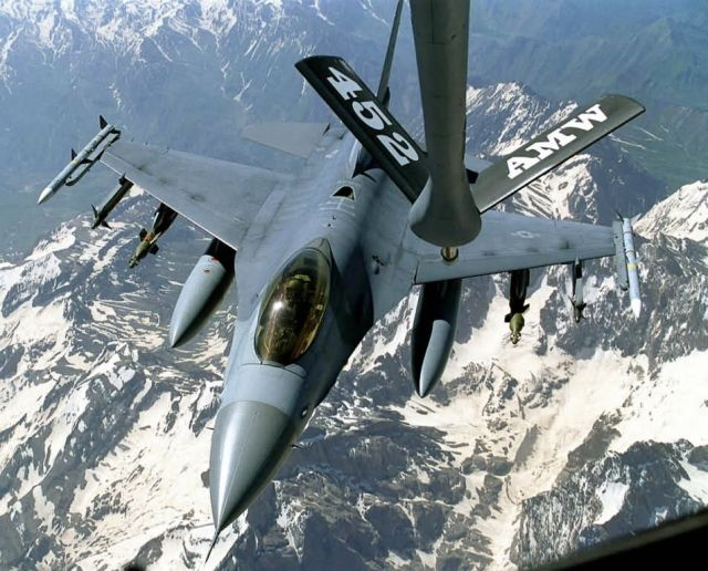 F-16 Fighting Falcon - Thirsty Falcon Picture