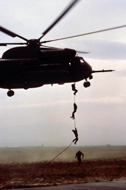 HH-53 Super Jolly Green Giant helicopter - Fast rope Picture