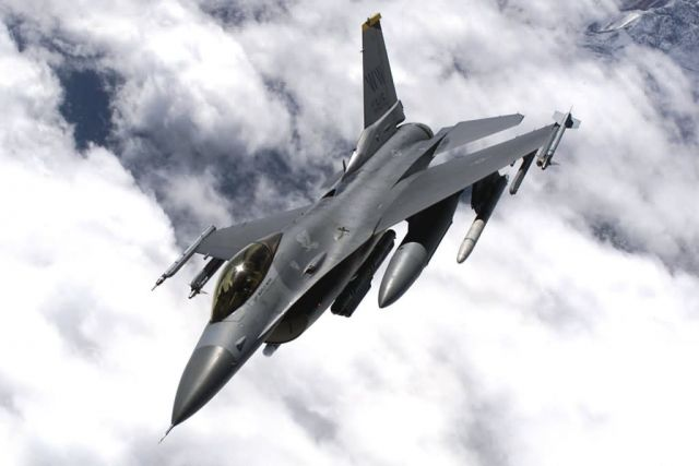 F-16 - Red Flag 01-03 Falcon Picture