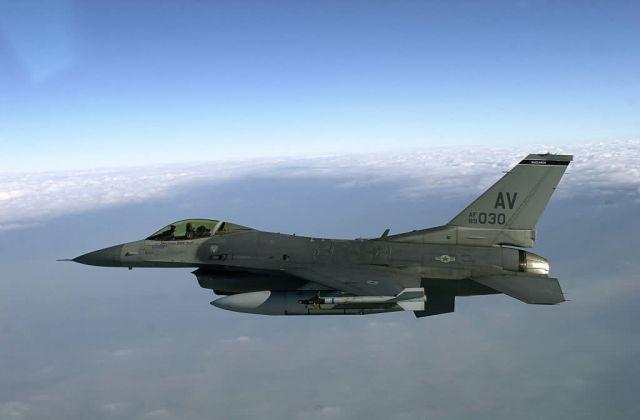 F-16 Fighting Falcon - Italian job Picture