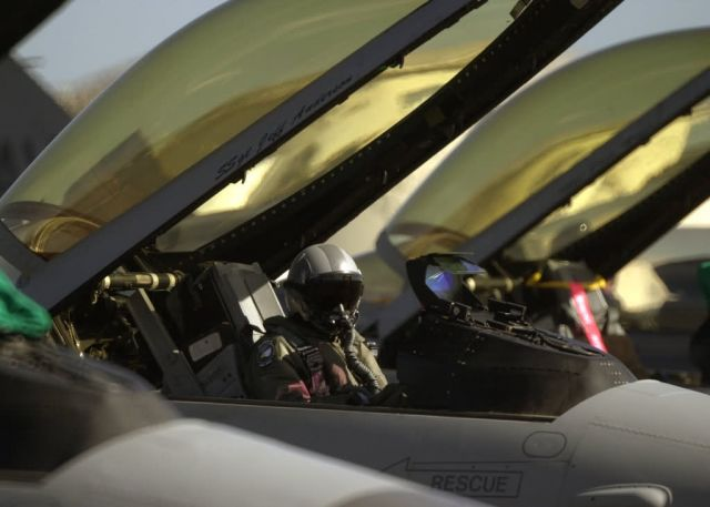 F-16 Fighting Falcon - Ready to launch Picture