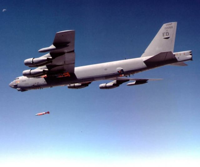 B-52H Stratofortress - Buff lauches JDAM Picture