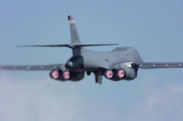 B-1B Lancer - Lancer lift off Picture
