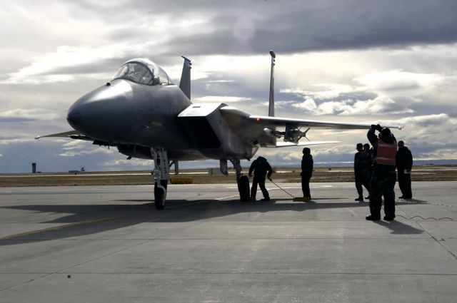 F-15 Eagle - Maintainers' mission Picture