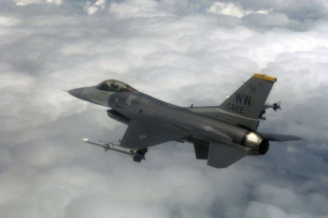 F-16 Fighting Falcon - Commando Sling Picture