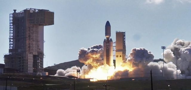 Titian IV - Titan IV Launch Picture