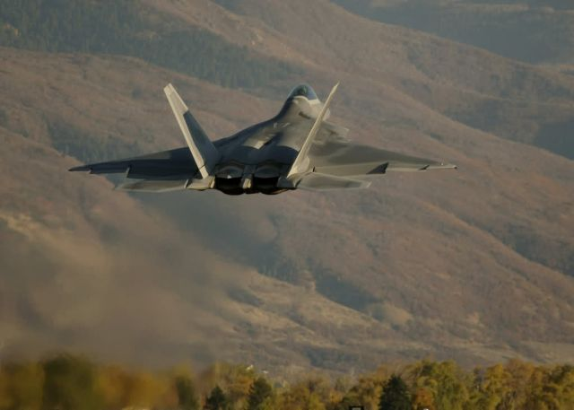 F/A-22 Raptor - Combat Hammer Picture