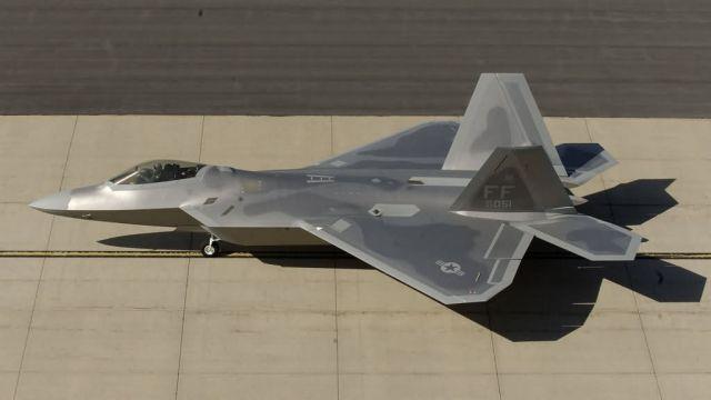 F/A-22 Raptor - Combat Hammer Picture