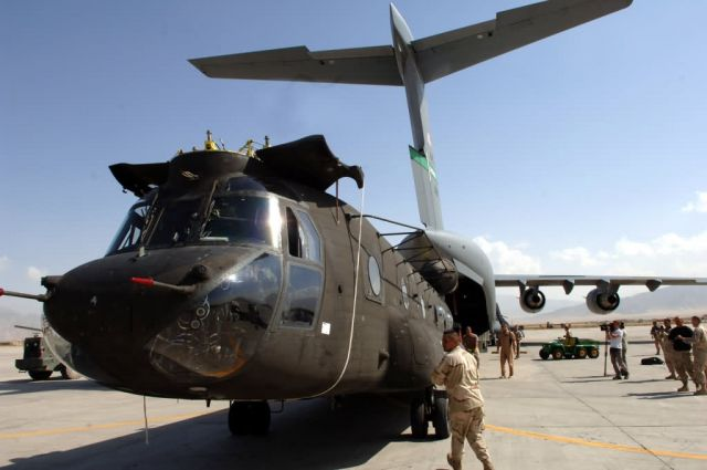 CH-47 Chinook - Pakistan relief continues Picture