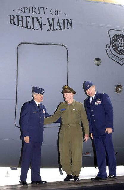 C-17 Globemaster III - 'Gateway to Europe' ends 60-year airlift legacy Picture