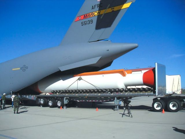 C-17 - Edwards, DARPA explore new C-17 capability Picture