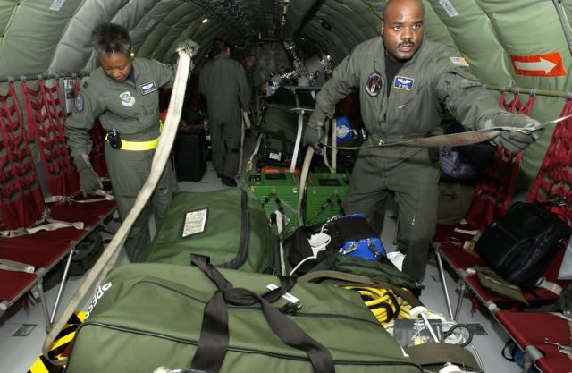 KC-135 - Cargo tie-down Picture