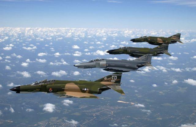 F-4 Phantom II - Flight demonstration Picture
